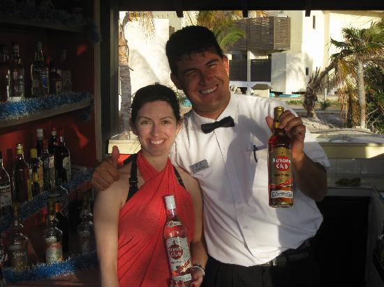 Melia Buenavista: Orestes, le meilleur barman!