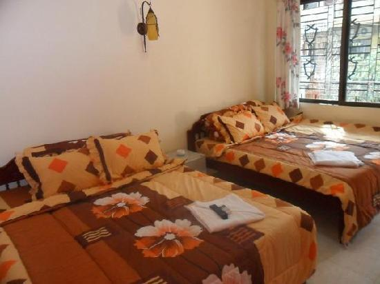 C'est Wat Guesthouse: Bedrooms