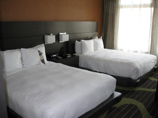 Hard Rock Hotel San Diego: bed