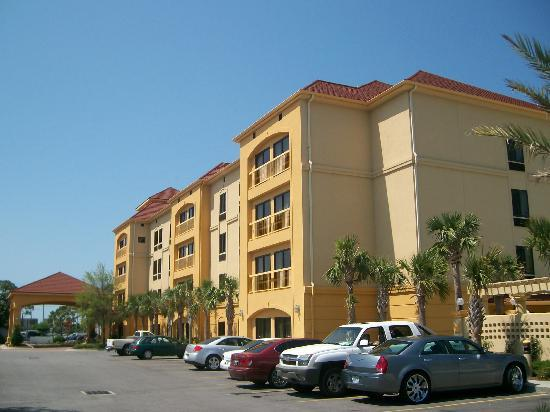 La Quinta Inn & Suites Fort Walton Beach: Outside View