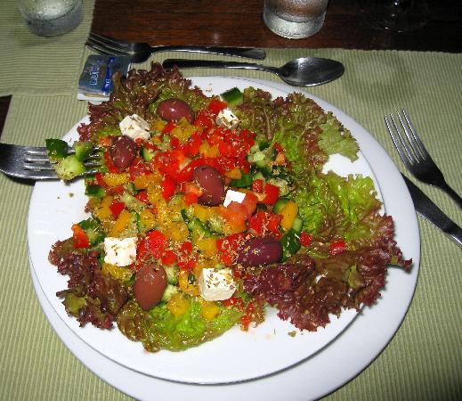 Seagull Cove Resort : grecian salad