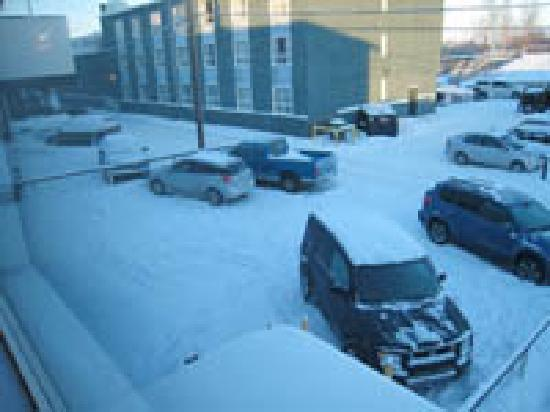Yellowknife Polar Suite Guest Room: Parking Lot