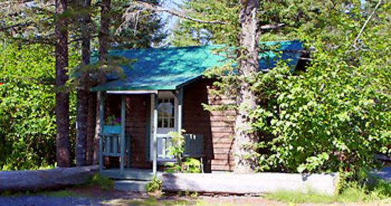 Salmon Bake Cabins: Cabin #3