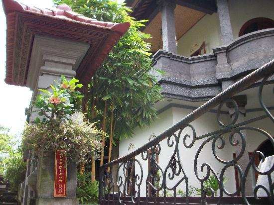 Ubud Dream: Front view and the veranda where guests have their breakfast.
