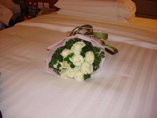 Flowers presented by the hotel - exquisite