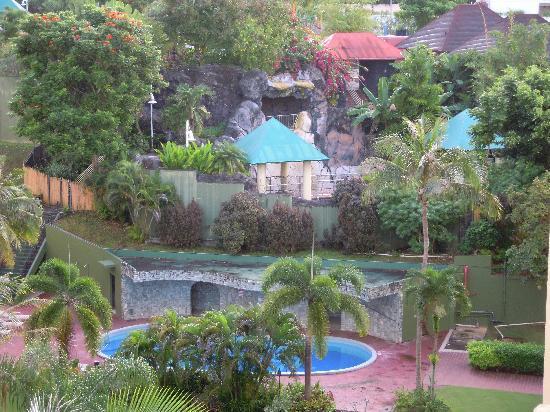 Guam Plaza Hotel: ベランダからターザも見えました。