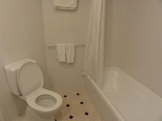 Jet Park Hotel Rotorua: 浴室