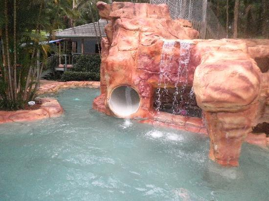 BreakFree Aanuka Beach Resort: Great swimming pool slide and cave sap