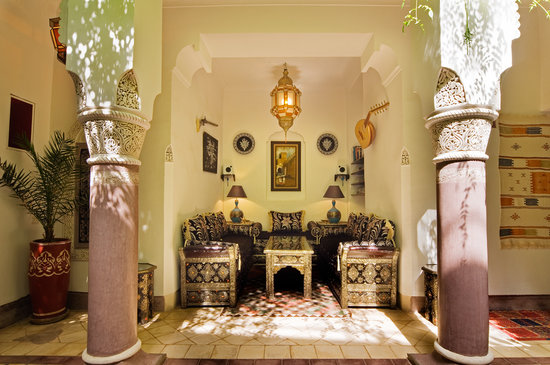 Riad Dar Eliane: Inner Courtyard Small Salon