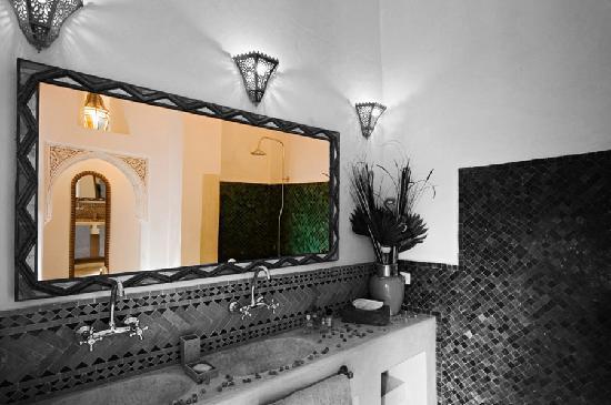 Riad Dar Eliane: Bathroom Warda
