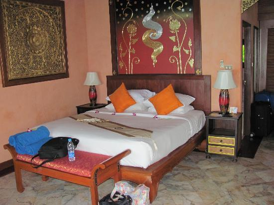 Sandalwood Luxury Villas: Jasmine villa - master bed