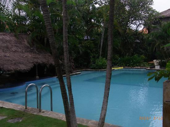 Sari Beach Hotel: Beautiful Swimming Pool