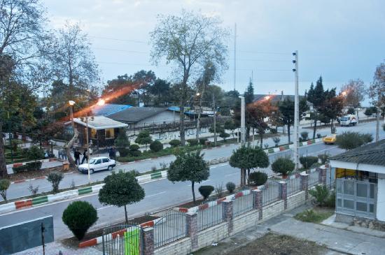 Bozorg-e-Noor Hotel: Bozorg-e-Noor: room view over quiet alley