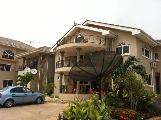Midindi Hotel: The front of the hotel