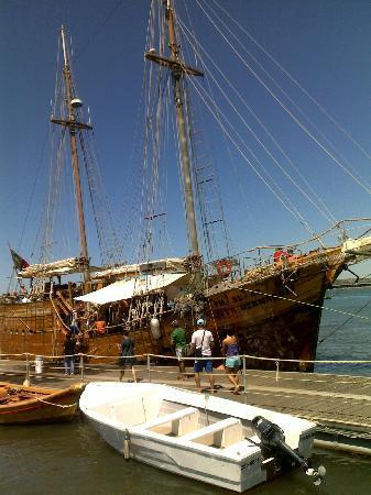 Vitor's Village Resort: Santa Bernarda boat trip
