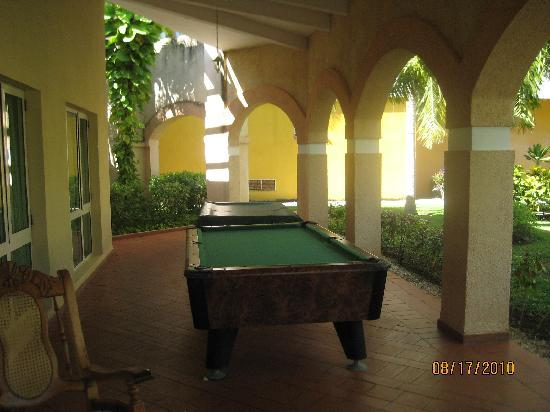 Melia Las Antillas: Pool Table Outside Disco