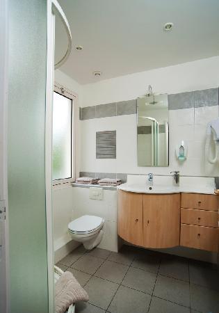 Hotel Mediterranee : salle de bains