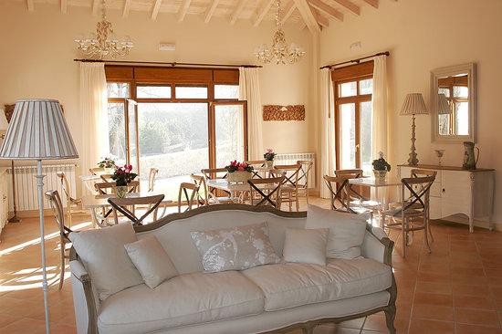 La Pereda, Espanha: salón