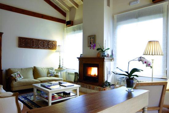 Hotel rural Arpa de Hierba: salón