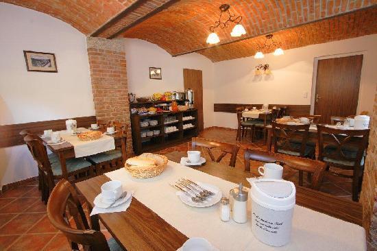 Hotel Villa Gloria Marienbad: Breakfast room