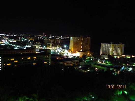 Bayview Hotel Guam: night scene from the balcony