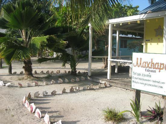 Maxhapan Cabanas: property