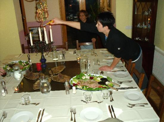 Reka Hisa: Setting the table for dinner on the first night - we were wowwed!