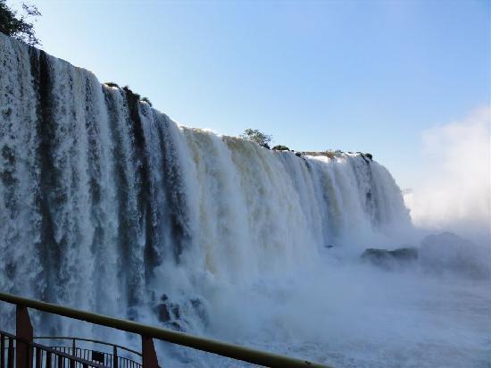 Belmond Hotel das Cataratas: ancora parte delle cascate