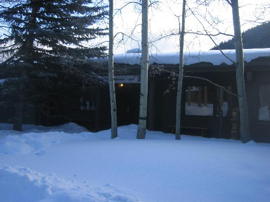 Keystone Village: Single level condo - flat sidewalks to your door