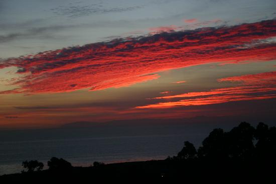 Marriott's Newport Coast Villas: Sunset over Catalina taken from Balcony