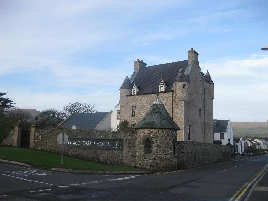 Ballygally Castle : View of hotel