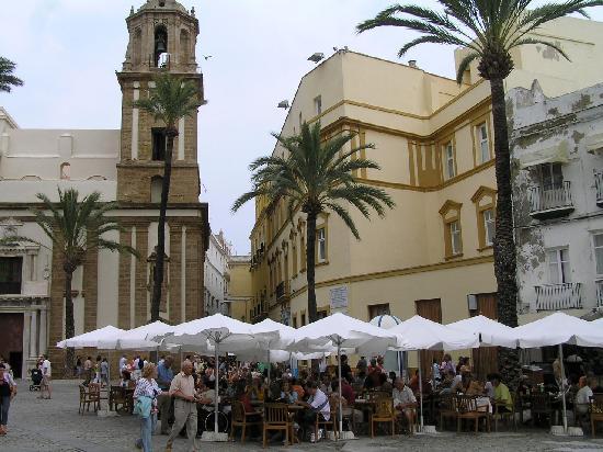 Cadix, Espagne : Platz vor der Kathedrale