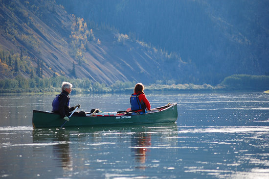 Paddling dow the Yukon River