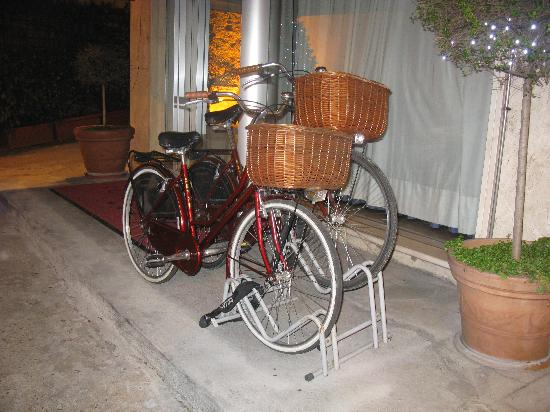 Ariston Hotel : Bicycles for hotel guests