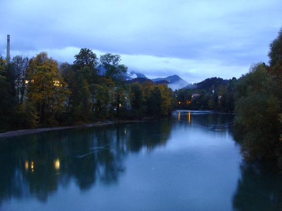 Füssen, Tyskland: a rainy dusk made for some interesting photos