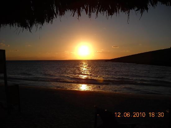 Merrils Beach Resort II : Negril sunset is party time!