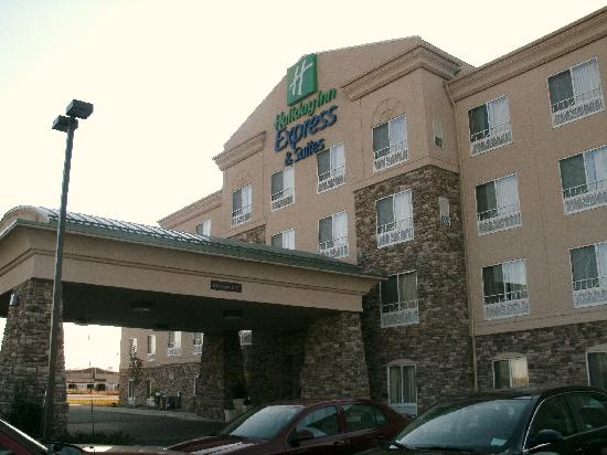 ‪‪Holiday Inn Express Hotel & Suites Waukegan‬: The front‬