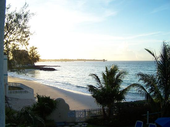 Maxwell, Barbados: The beach at sunset