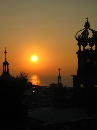 Casa Amorita: Cathedral on Christmas Eve
