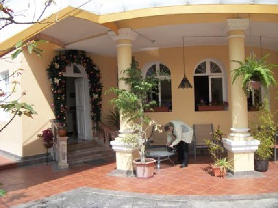 Hotel La Casona: loved the nicely decorated doorway
