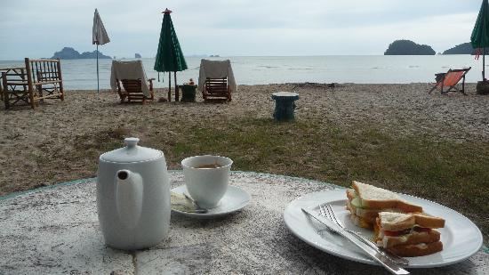 J2B Beach Bungalows: Great tea at J2B!