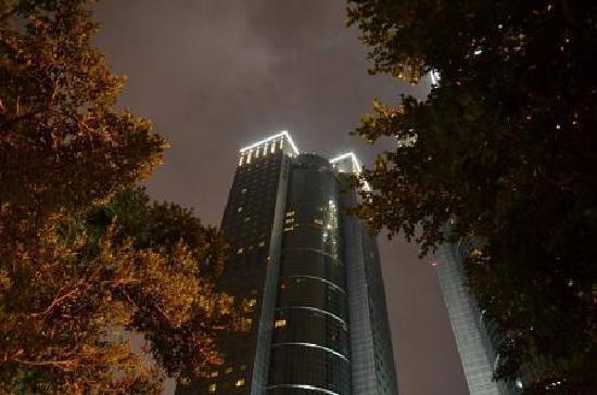 Shangri-La's Far Eastern Plaza Hotel Taipei: 夜景