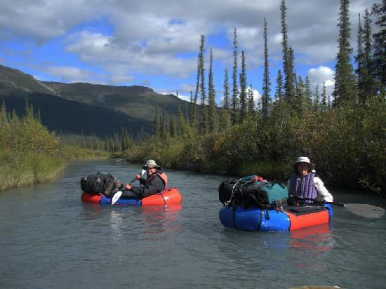 Parc national et réserve de Gates Of The Arctic, AK : packrafting in Gates of the Arctic