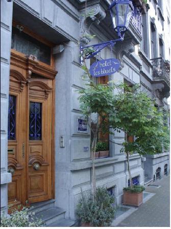 Hotel Les Bluets: facadebis