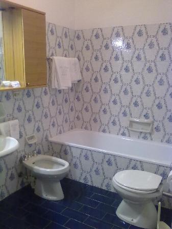 Hotel Pinzolo Dolomiti: bagno