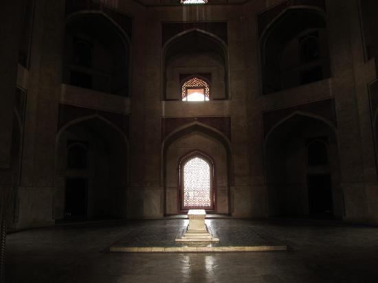 Humayun's Tomb: Inside. Notice the beautiful windows letting in almost filtered light unto one of the rooms.
