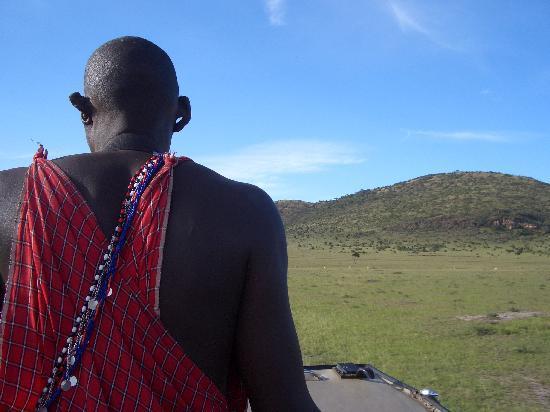 Enkewa Camp: Oteando en su medio