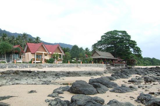 Dream Team Beach Resort: The Hotel - its basically a set of bungalows, sea view ones are more expensive
