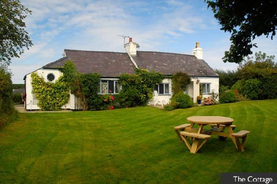 Beaumaris, UK: The Cottage from White Beach Holiday
