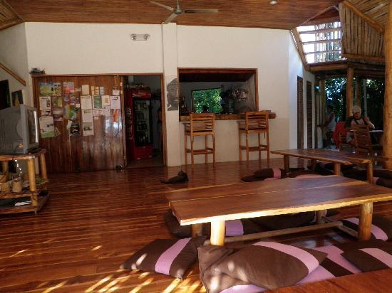 Lucero Surf Retreats : Otro Lado Lodge